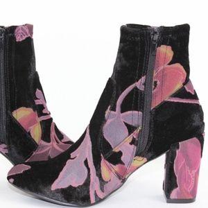 New Steve Madden Elissa Velvet Floral Bootie
